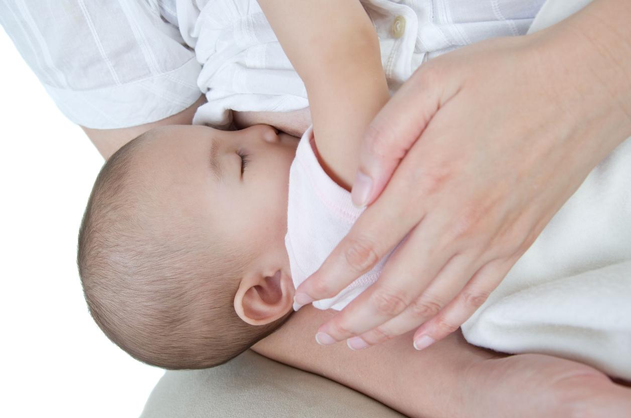 Kuukautiset alkavat synnytyksen jälkeen usein riippuen siitä, kuinka pitkään ja tiheästi imettää.
