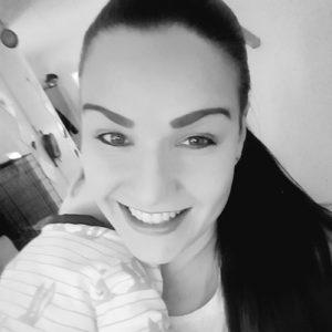 Kahden lapsen äiti Ani, 33, Horsmanaho