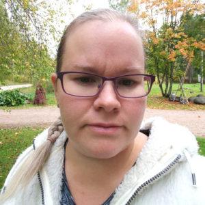 Viiden lapsen kotiäiti Riia, 36, Lapinneva