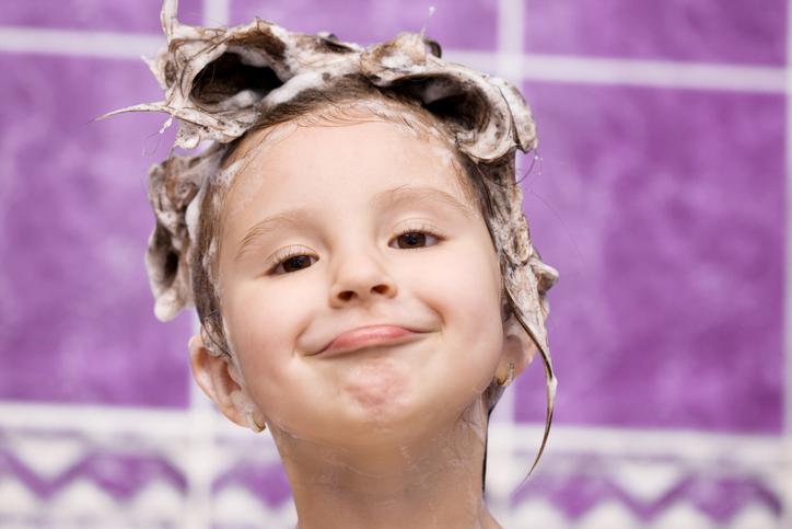 Sampoo ja lapsen hiukset