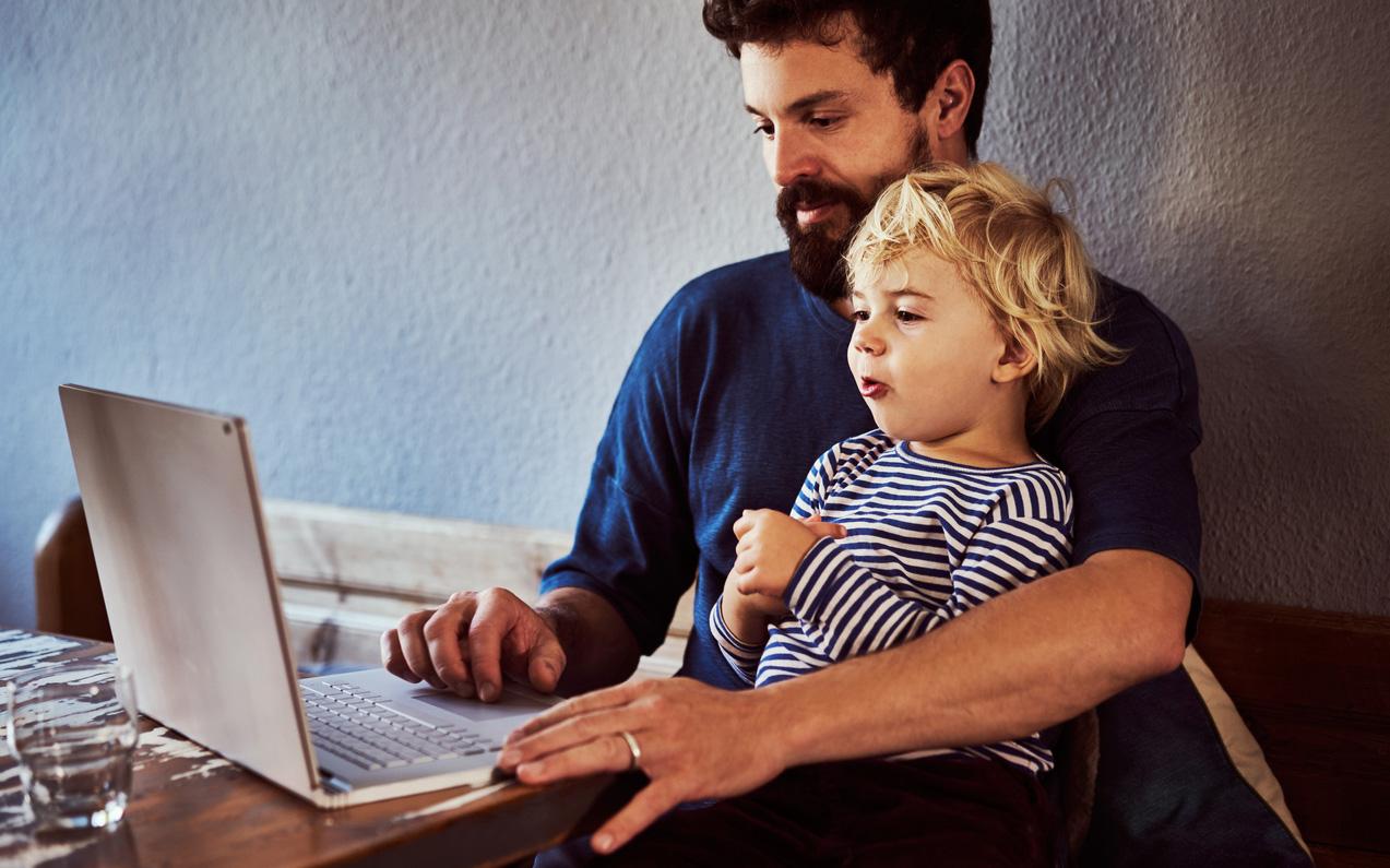 Etätyö voi mahdollistaa lapsen ottamisen kotihoitoon koronatilanteen vuoksi.