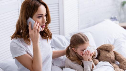 Kelalta haettava tartuntatautipäiväraha korvaa ansiomenetyksen lapsen karanteenin aikana.