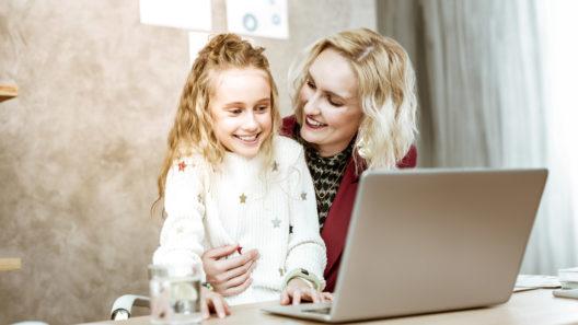 Työn ja perheen yhteensovittaminen sujuu suurimmalta osalta suomalaisista hyvin.