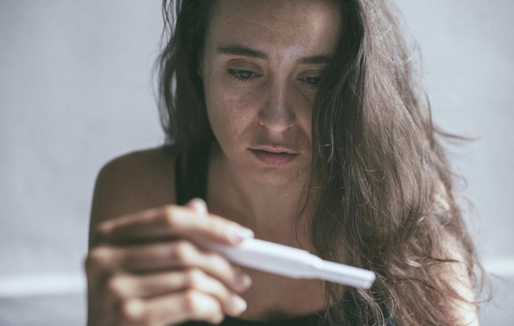 Monirakkulaiset munasarjat eli PCOS voivat aiheuttaa ovulaation puuttumista ja vaikeuttaa raskaaksi tulemista.