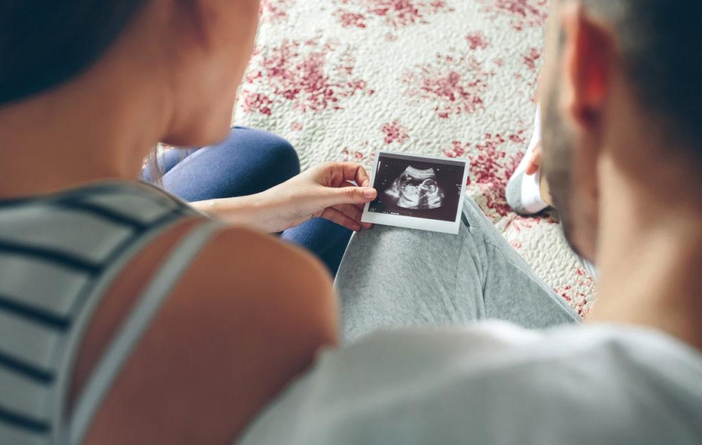 Munsarjojen monirakkulaoireyhtymä ei usein estä raskaaksi tulemista, mutta siihen tarvitaan hoitoja.