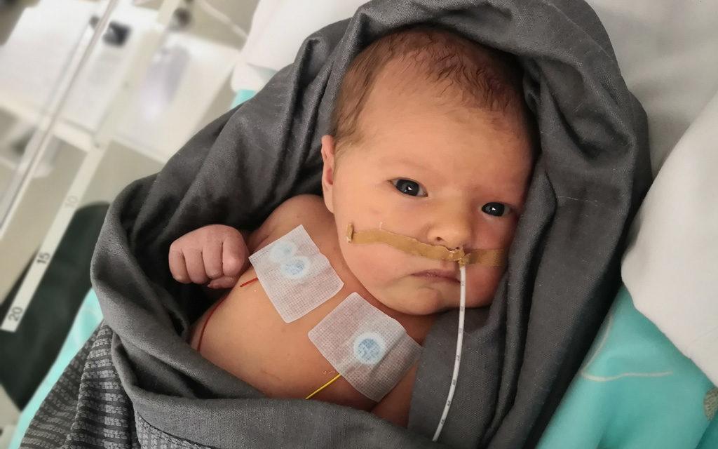 Pienen Hilden hengitystä seurattiin vauvateholla.