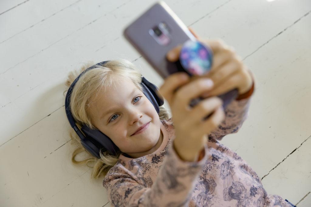 Lapselle Puhelin