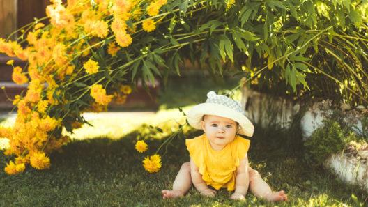 Voi olla tarpeen antaa vauvalle vettä helteellä, jos vauva on pulloruokinnalla.
