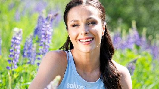 """""""Suomessa vallitsee yhä käsitys, että jos naisurheilija saa lapsen, ura on ohi. Mutta eihän se välttämättä niin mene"""", Maria Huntington sanoo."""