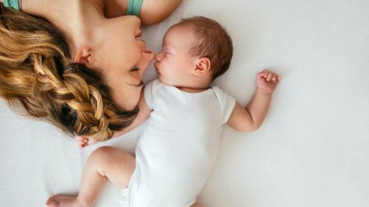 Sukupuolineutraali nimi lapselle – valinta voi olla vaikea.