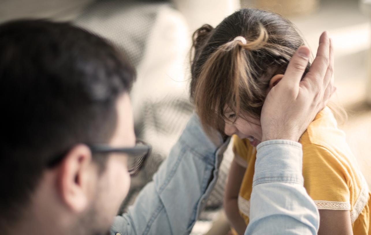 Vieraannuttaminen voi alkaa salakavalasti, kun oma elämä vakiintuu uusiin uomiinsa, kuvioihin tulee uusi kumppani tai muistot entisestä puolisosta tekevät kipeää.