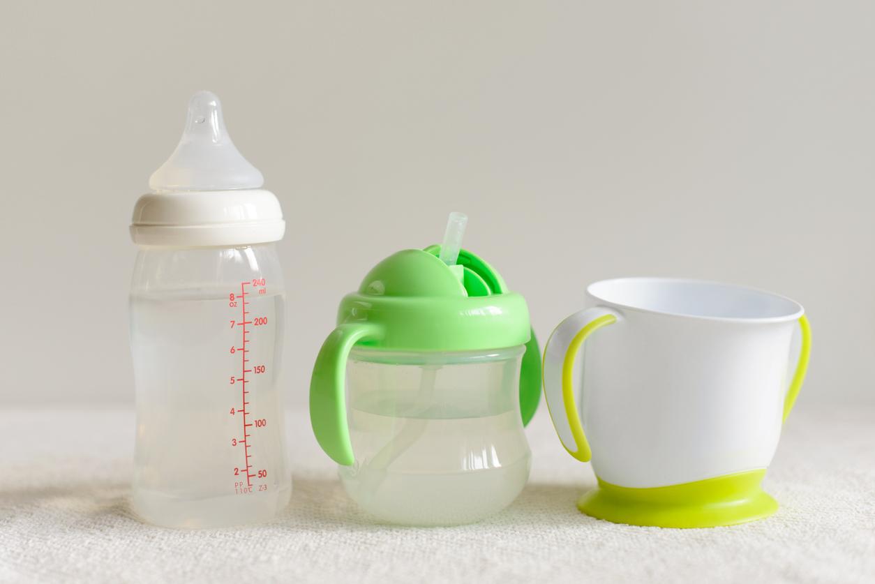 Nokkamukin lisäksi vauva- ja pikkulapsiaikaan on olemassa tuttipullot, pillimukit ja muovimukit.