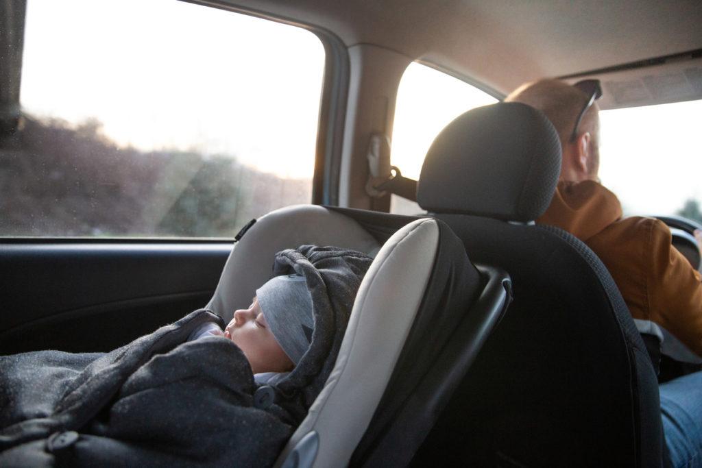 Selkä menosuuntaan on suositeltavaa matkustaa 4-vuotiaaksi.