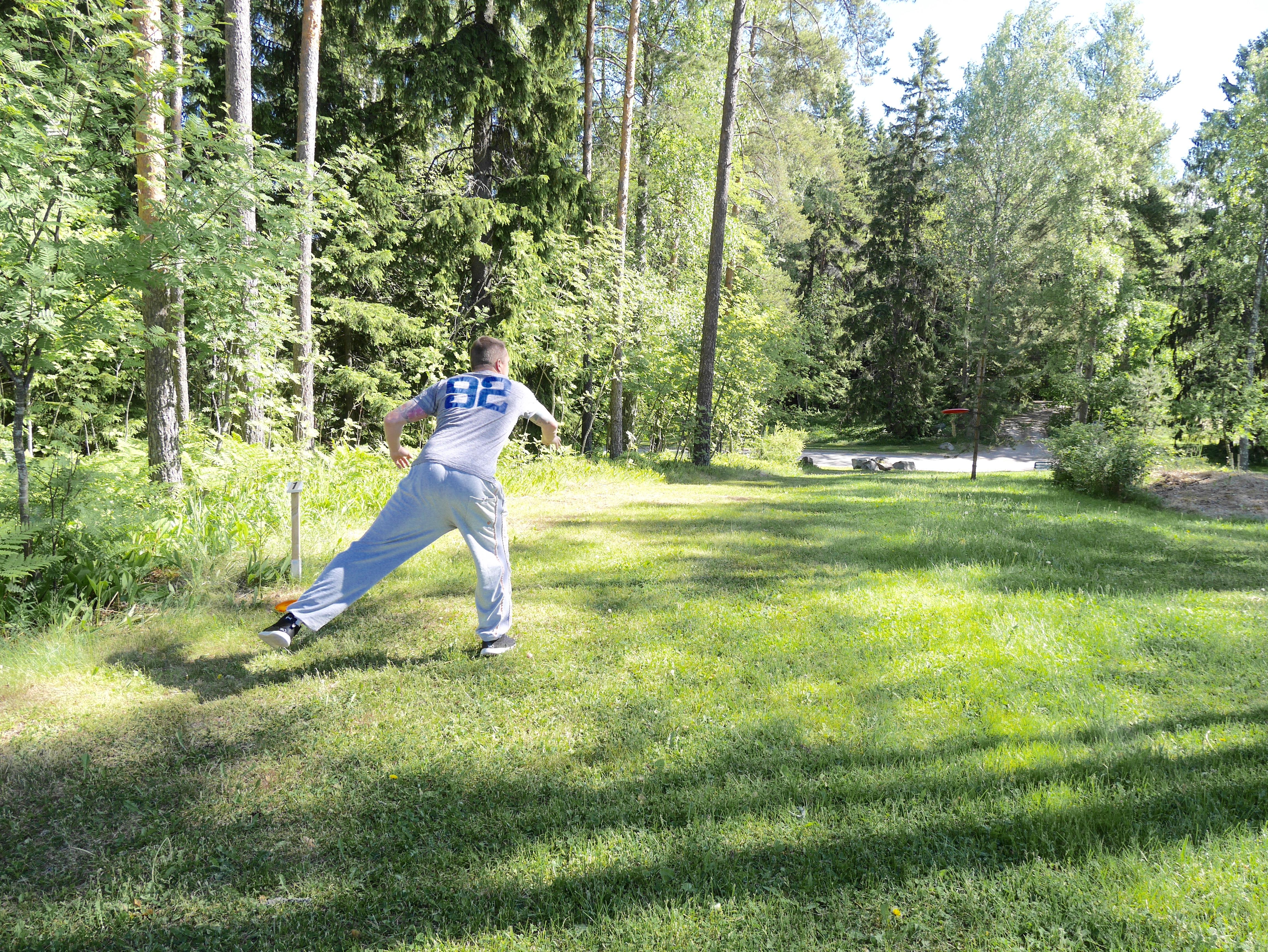 frisbee golf jontte valosaari
