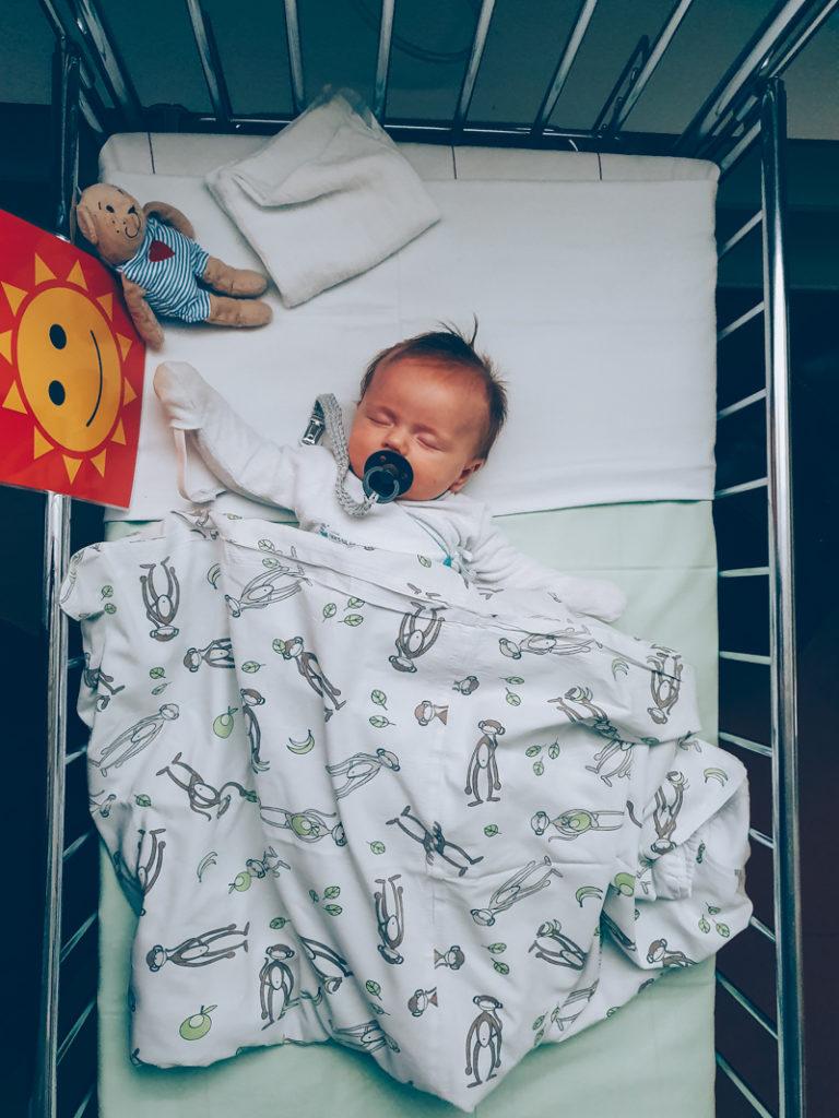 Vauva Rauhoittuu Ennen Synnytystä