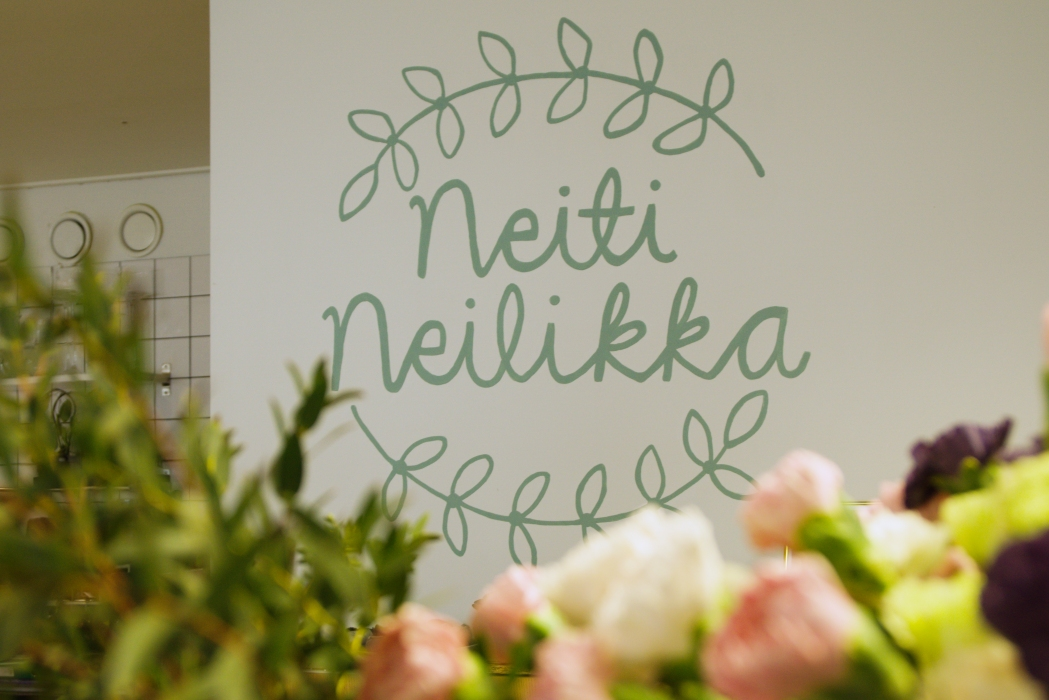 Neiti Neilikka ilahduttaa Mikkelissä.