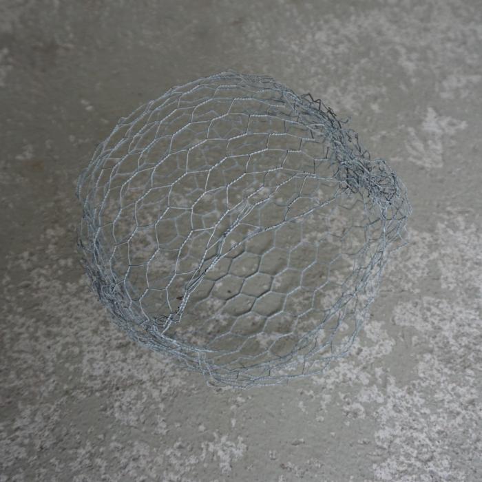 kanahäkkiverkosta pallo