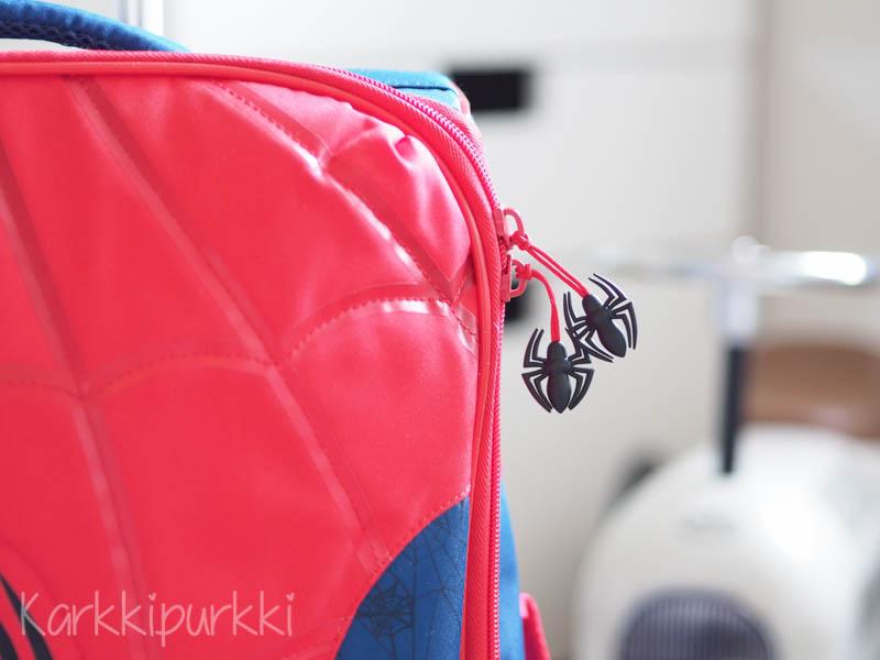 lasten matkalaukku