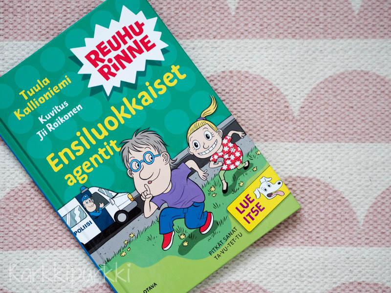lastenkirjat juuri lukemaan oppineelle