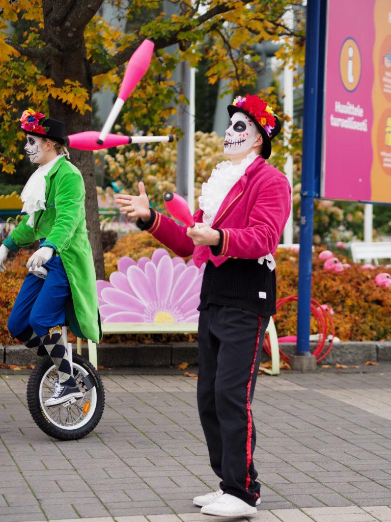 karmiva karnevaali